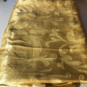 Shimmery Tablecloth
